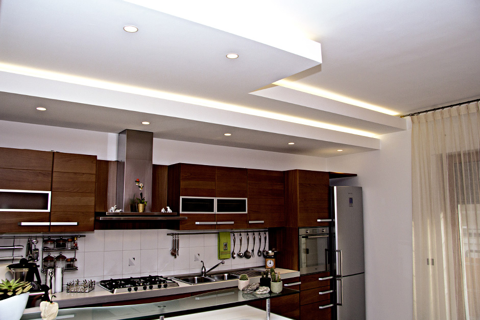 Controsoffitto in cartongesso dgcolor for Led controsoffitto